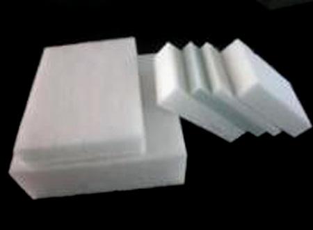 硬质非织造材料